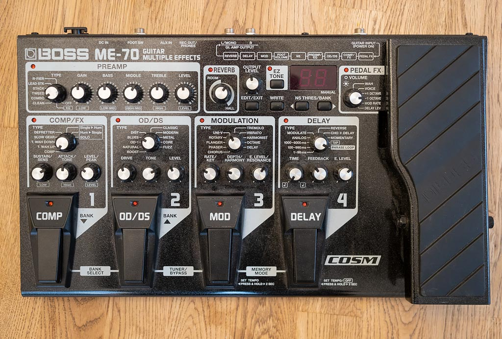 Boss ME-70 multi-effects box